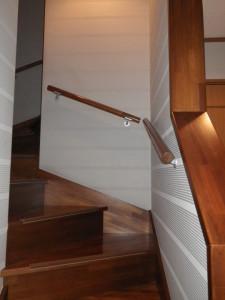 階段の耐震対策 手すり